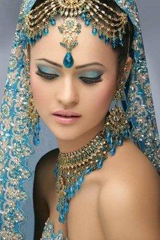 Секреты настоящего индийского макияжа